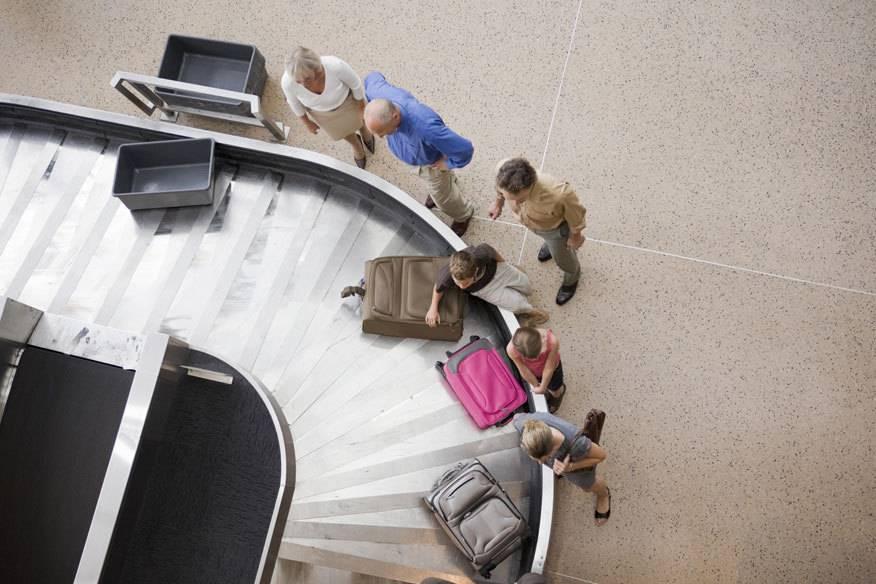 Es kommt immer wieder vor, das Wertgegenstände aus dem Koffer verschwinden. Doch Reisende sind selbst schuld.