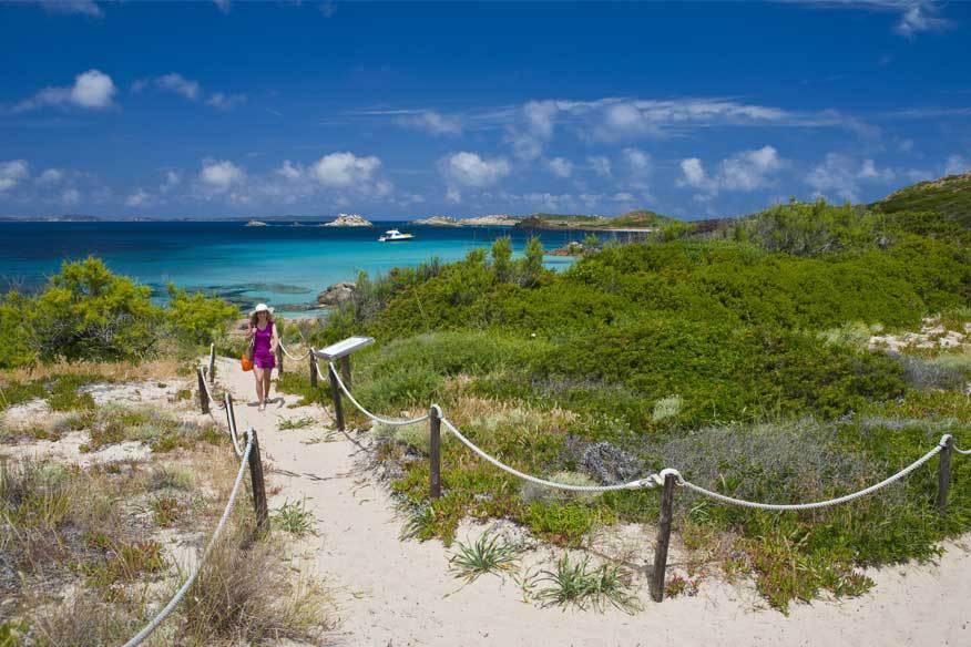 Wer Sardinien fast ganz für sich alleine haben möchte, sollte im Frühling anreisen – noch bevor im Sommer Tausende Touristen kommen
