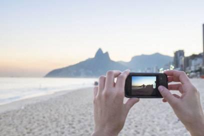 Niemand muss mehr mit Camcorder reisen – wo doch jedes Smartphone filmen kann