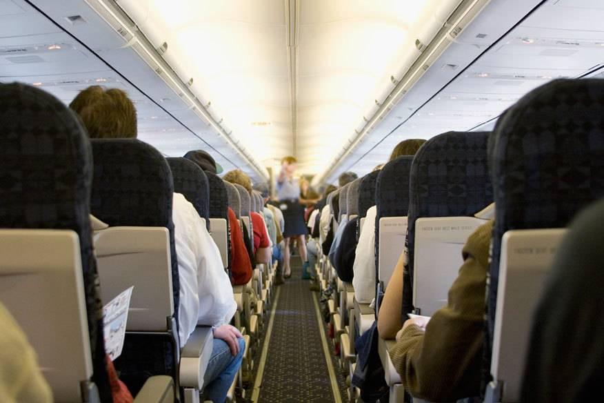 Manchmal haben Reisende ziemliches Pech im Flugzeug. Einige unangenehme schlimmsten Erlebnisse an Bord lesen Sie unten