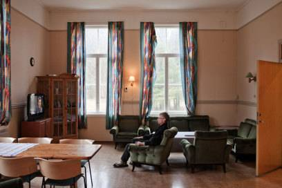 Kann man das noch Gefängnis nennen? Auf Bastøy ist das Fernsehzimmer übrigens nur eine der Möglichkeiten, wie Häftlinge ihre Freizeit verbringen können.