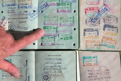 Stempel aus aller Herren Länder sind der Stolz des Vielreisenden. Doch manche Stempel können auch Ärger machen.