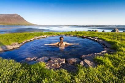 Island ist weltweit berühmt für seine heißen Thermalquellen