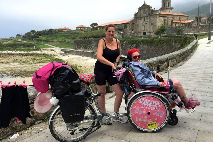 """Sabine Niese (41) und Nicole Eskes (45) als """"Team Hoffnung"""" auf dem Jakobsweg"""