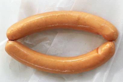 Das Wiener Würstchen ist eine Brühwurst im Saitling und wird aus Rind- und Schweinefleisch hergestellt