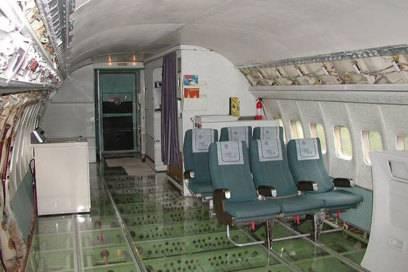"""Die meisten Flugzeugsitze hat Campbell entsorgt, ein paar dienen als """"Sitzecke"""""""