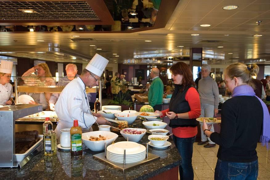 In manchen Hotels müssen Gäste sich an feste Essenszeiten halten