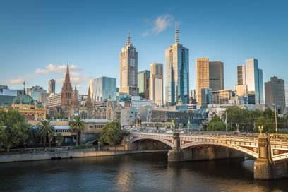 """Die australische Stadt Melbourne wurde gerade erst wieder vom renommierten EIU (The Economist Intelligence Unit) zur """"lebenswertesten Stadt der Welt"""" gekürt"""