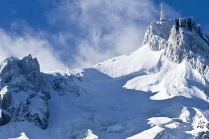 Sturmumtost: Die Bergstation am Aiguille du Midi liegt auf 3777 Metern