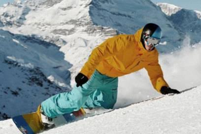 Snowboarden mit Blick auf das Matterhorn: Das ist rund um Zermatt möglich