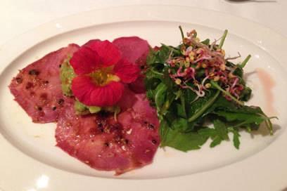 Carpaccio mit Salat im Broeding