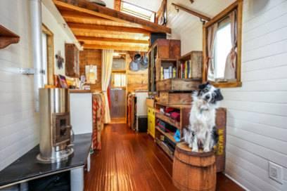 tiny house movement wie man mit seinem haus auf reisen gehen kann travelbook. Black Bedroom Furniture Sets. Home Design Ideas