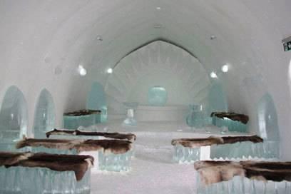 Auch Mehrbettzimmer gibt es im Ice Hotel