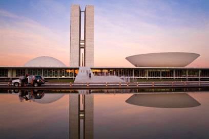 Der von Oscar Niemeyer entworfene Nationalkongress von Brasília