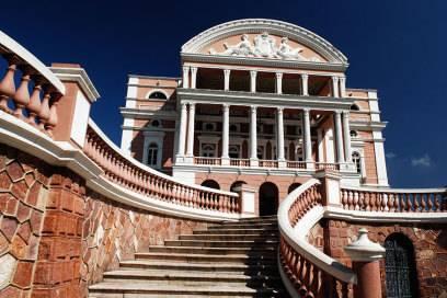 Das legendäre Teatro Amazonas in Manaus: In dem Opernhaus traten einst die Star-Tenöre und Operndiven auf
