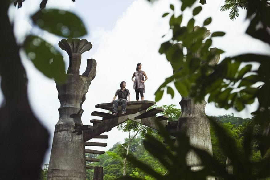 """Mitten im mexikanischen Regenwald in Xilitla befindet sich der Skulpturen-Park """"Las pozas"""" – angelegt vom Künstler Edward James. Teil davon ist der ins Nichts führende """"Stairway to the sky"""" (dt. Treppen zum Himmel)"""