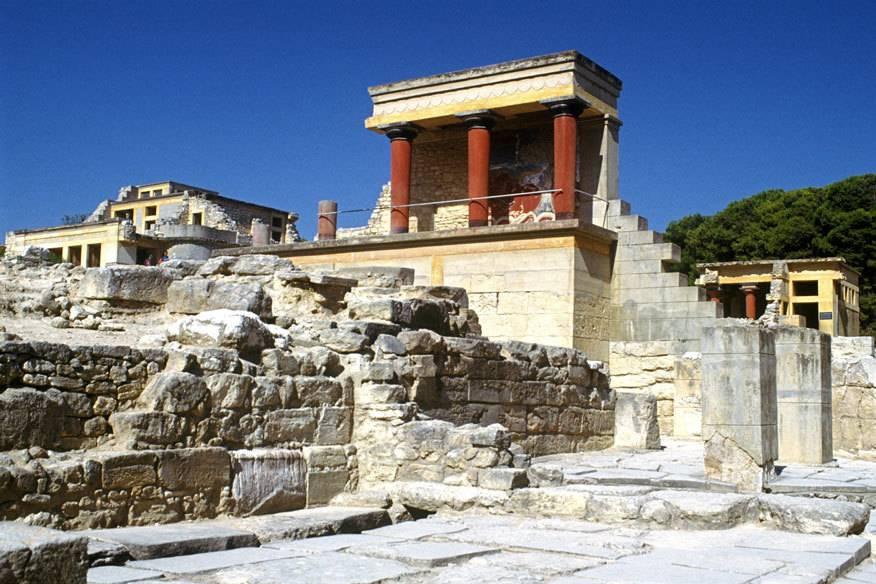 Die berühmte Palastruine in Knossos auf Kreta lädt so manchen Touristen dazu ein, antike Objekte als Urlaubssouvenir einzustecken –und das kann harte Strafen nach sich ziehen