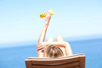 Wer sparen will, kauft seine Sonnencreme besser daheim in Deutschland