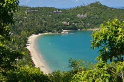 Blick auf den beliebten Strand Thong Nai Pan Noi auf Koh Phangan