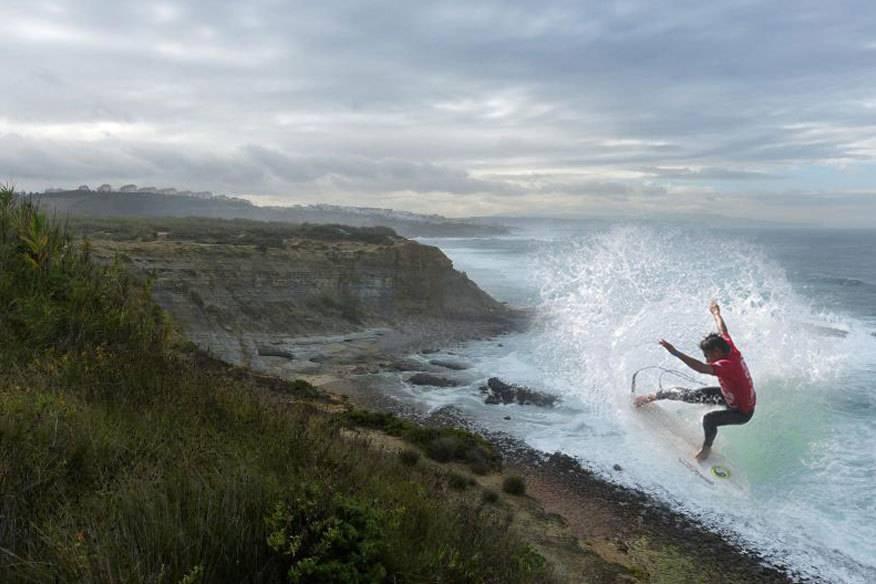 Die perfekte Welle: Rund um Ericeira drängen sich sieben Weltklasse-Wellen auf vier Kilometern, von Padra Branca bis Sao Lourenço (Foto: Montage)