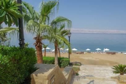 Am Toten Meer wie auch am Roten Meer findet man viele schöne Hotels mit direktem Strandzugang