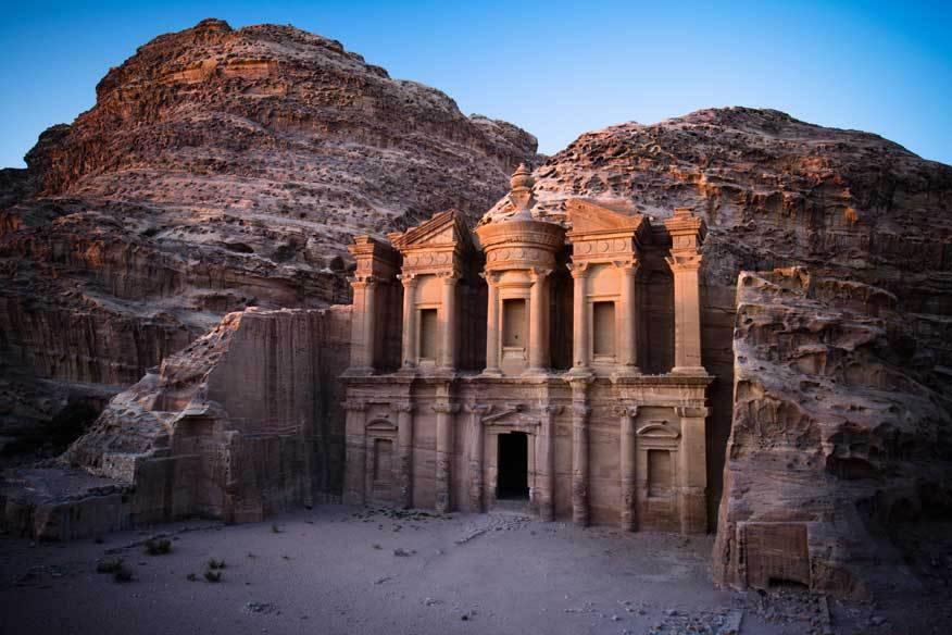 petra in jordanien 9 geheimnisse ber die legend re felsenstadt travelbook. Black Bedroom Furniture Sets. Home Design Ideas
