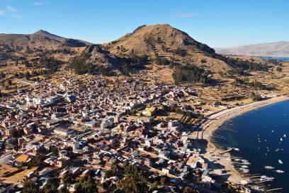 Günstig in Copacabana wohnen – das ist in Bolivien möglich. Denn dort gibt es am Titicaca-See einen Ort, der genauso heißt wie der teure und berühmte Stadtteil von Rio de Janeiro.