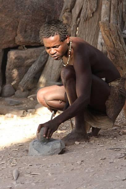 """Im """"Lebenden Museum"""", einem Projekt der Damara, lernen Besucher dier traditionellen Lebensweisen der namibischen Volksgruppe kennen"""