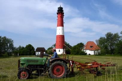 Touristen kommen wegen der Ruhe nach Pellworm – und wegen der Hochzeiten auf dem Leuchtturm. Der ist auf Jahre hinaus ausgebucht