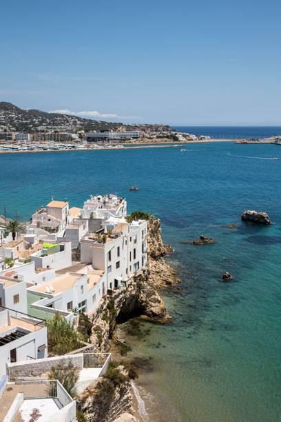 Ibiza Stadt - mit Blick auf den berühmten Yachthafen