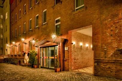 In der Nähe des Ibis Styles Berlin City Ost finden Gäste viele Cafés, kleine Geschäfte und zahlreiche Bars