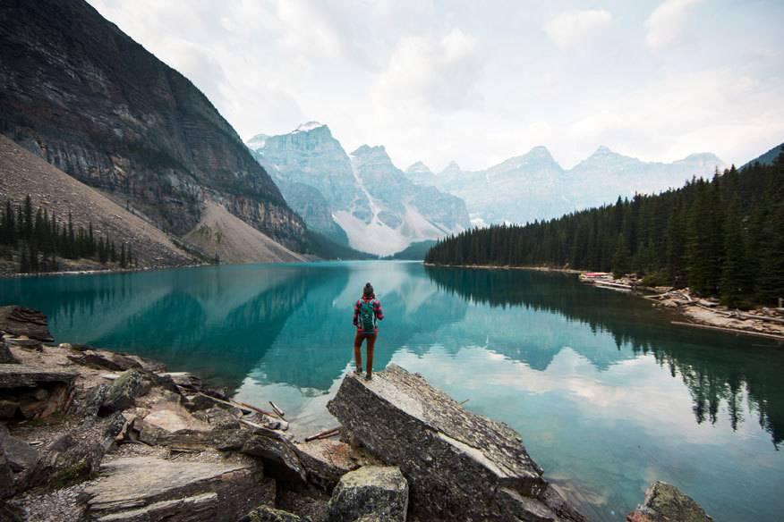 Ein Wanderurlaub in den Bergen wirkt sich kurz- und langfristig positiv auf unseren Körper aus
