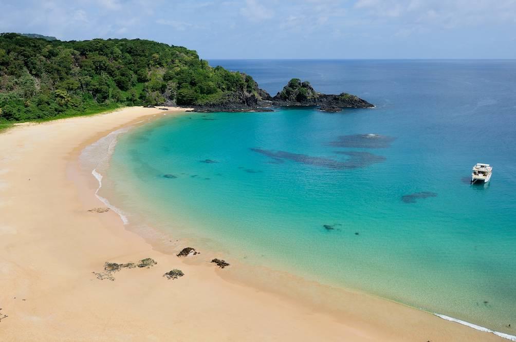 Baia Do Sancho Darum Ist Das Der Schonste Strand Der Welt Travelbook