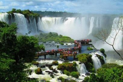 Einer der schönsten Orte Südamerikas: die Iguazú-Wasserfälle