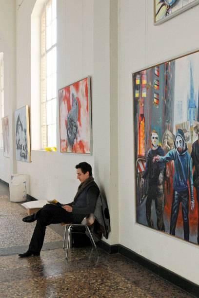 Bekannt für internationale bekannte Künstler wie Joseph Beuys, Gerhard Richter, Jörg Immendorff, Andreas Gursky, Thomas Ruff, Günther Uecker oder auch Bernd und Hilla Becher. Sie alle studierten oder lehrten an der Düsseldorfer Kunstakademie.