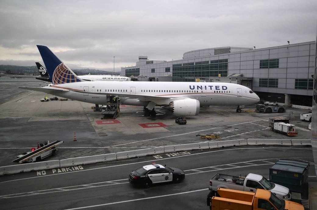 United Airlines bekommt viel Kritik nach dem gewaltsamen Vorgehen gegen einen Fluggast