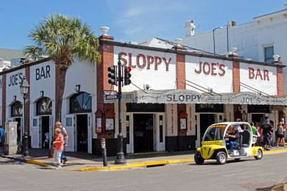 """Hemingways angebliche Lieblingsbar in der Duval Street auf Key West: """"Sloppy Joe's"""""""