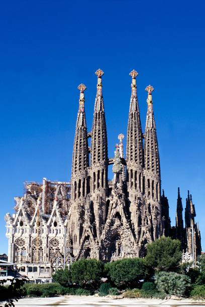 Das Wahrzeichen Barcelonas: die Kathedrale Sagrada Familia, ebenfalls vom Architekten Antoni Gaudí entworfen