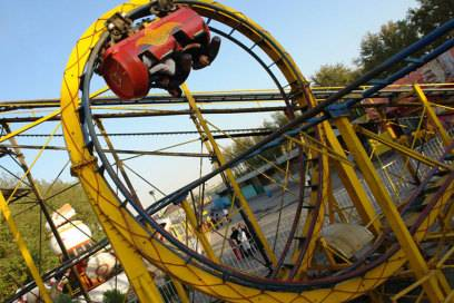 Ziemlich waghalsig: der Loop Coaster im Eram Park in Teheran