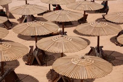 365 Tage Sommer: Badeorte wie Hurghada, Ain Sukhna oder Sharm el Sheikh bieten das ganze Jahr über Sonne und warmes Wasser – die Temperatur sinkt nur selten unter 20 Grad