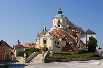 Die Bergkirche in Eisenstadt: Hier befindet das Mausoleum des berühmten österreichischen Komponisten Joseph Haydn, weshalb das Gotteshaus auch Haydn-Kirche genannt wird