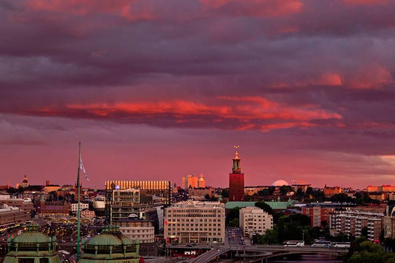 Sonnenuntergang über Stockholm, der größten Stadt Skandinaviens