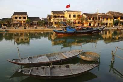 Früher war Hoi An der größte Hafen Südostasiens. Heute kann man sich das kaum vorstellen. In dem Städtchen, in dem abends rote Lampions in den Gassen leuchten, geht es recht beschaulich zu