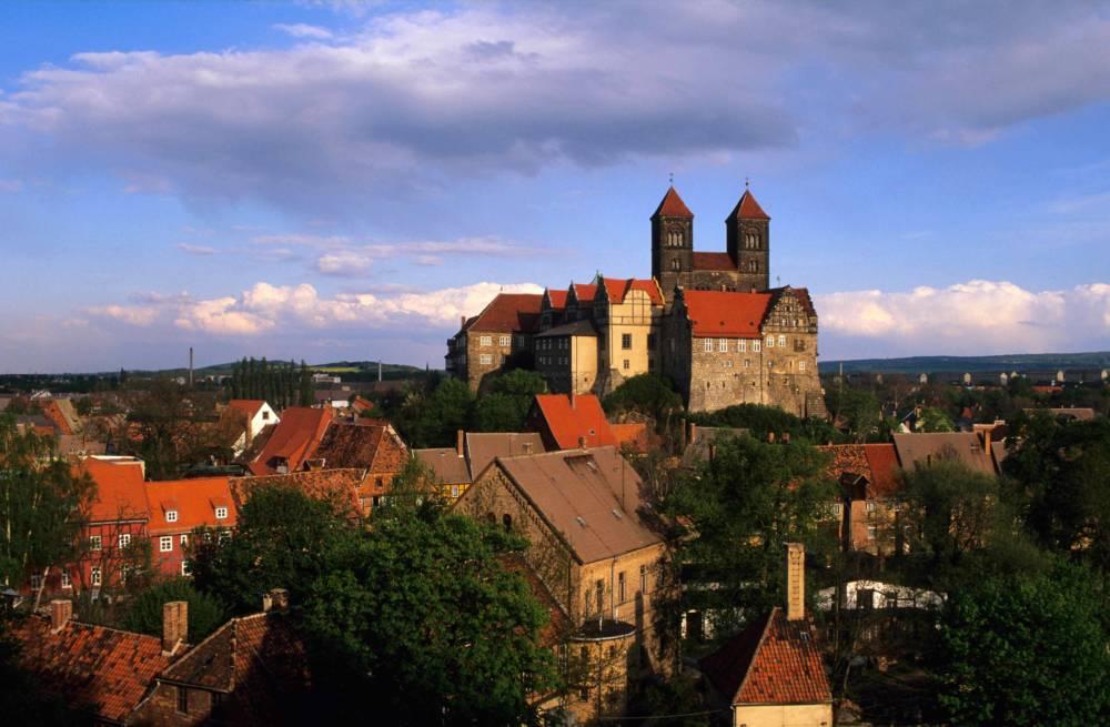 Der Schlossberg von Quedlinburg ist das Wahrzeichen der Stadt und gehört zum Unesco Weltkulturerbe
