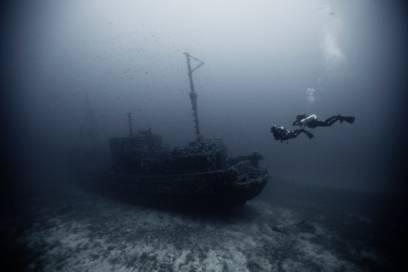 Freizeitaktivitäten gibt es auf Menorca wahrlich genug an Land – und unter Wasser. Hier können Taucher alte Schiffwracks erkunden