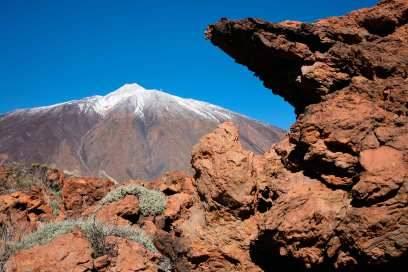 Teneriffas Natur ist äußerst vielseitig: Von dem kargen, touristischen Süden über den grünen Norden bis zum Landesinneren, mit dem atemberaubenden Vulkanmassiv und Spaniens höchstem Berg, dem Pico del Teide (3718 Meter), kommt hier jeder Besucher auf seine Kosten