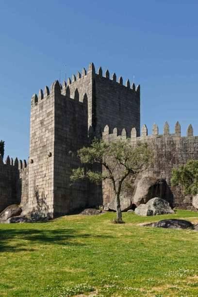 Die Wiege Portugals. Diese mehr als 1000-jährige Burg in Guimarães war Ausgangspunkt für viele Schlachten zur Befreiung des Landes von der Herrschaft der Mauren und Gründung Portugals