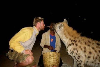 Nicht ganz ungefährlich diese Szene in Äthiopien