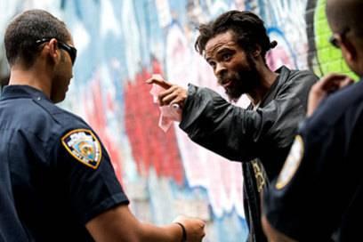 """In """"Bed-Stuy"""" kam es immer wieder zu Auseinandersetzungen zwischen der Polizei und den Anwohnern"""