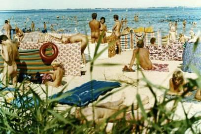 Nacktbaden galt in der DDR als selbstverständlich. Hier ein Foto von der Wismarer Bucht in Mecklenburg-Vorpommern aus dem Jahr 1984.